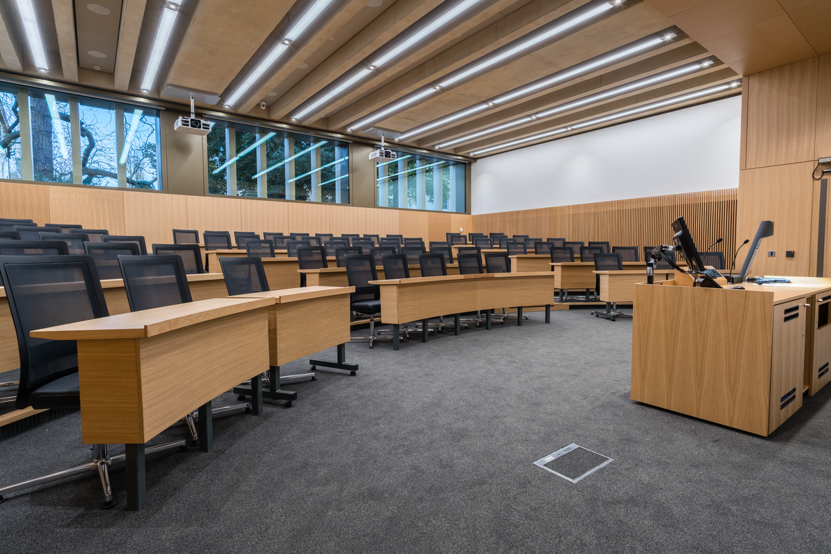 Cambridge University - Judge Business School Lecture Theatre seating