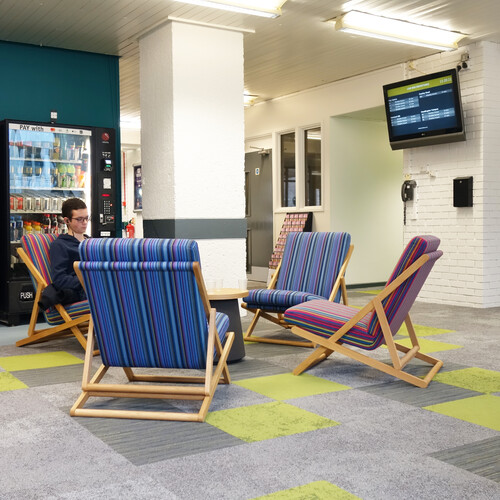 Oxford Brookes University - Deck chairs in breakout space
