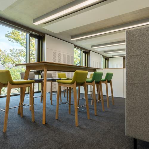 Cambridge University - Judge Business School - Collaboration Furniture